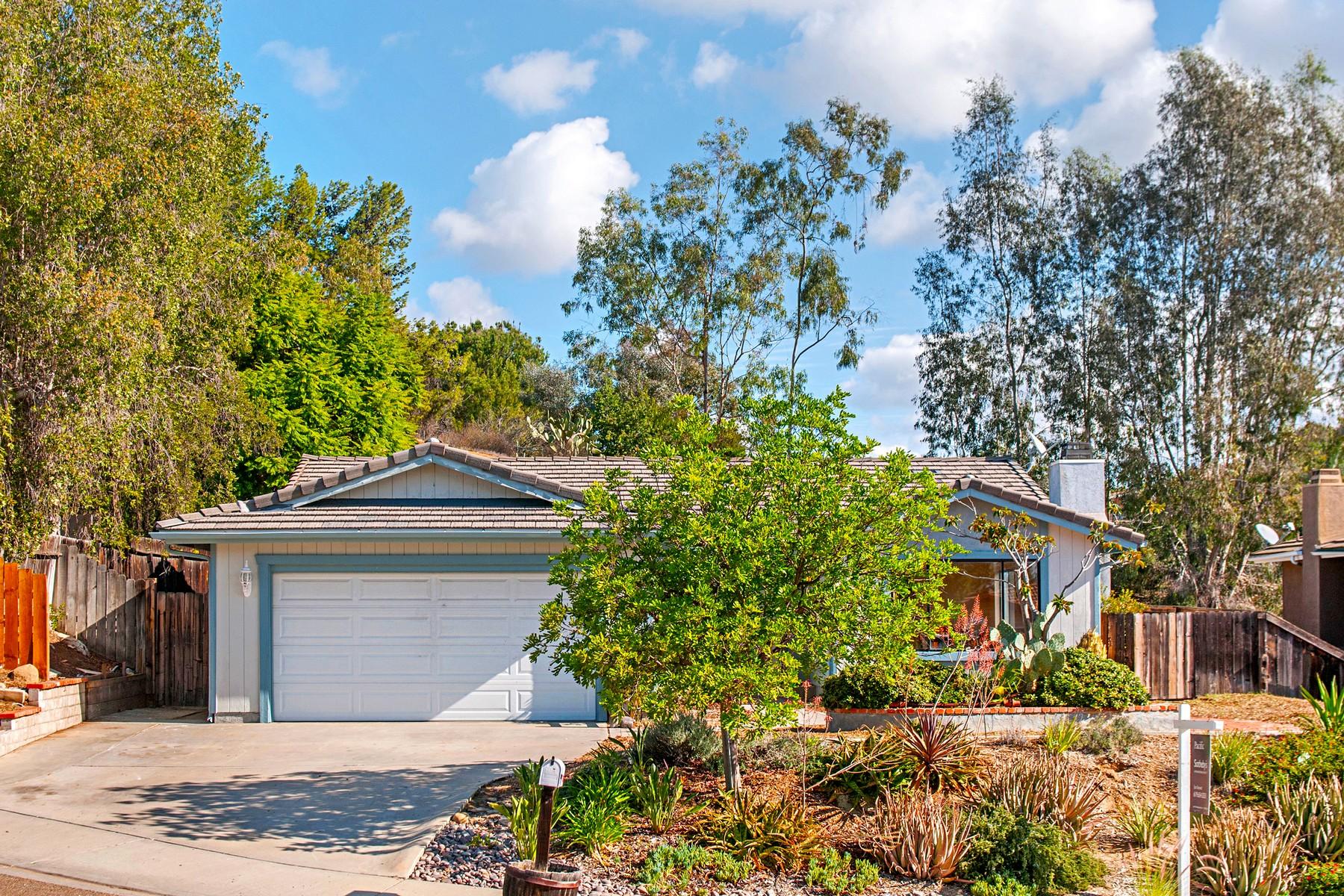 獨棟家庭住宅 為 出售 在 12460 Skyhigh 12460 Skyhigh Court El Cajon, 加利福尼亞州 92021 美國