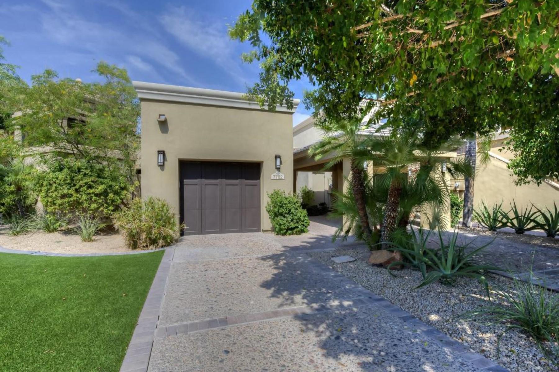 Maison unifamiliale pour l Vente à Luxury lavish Phoenician Residence Club 4515 N Phoenican Pl #7707 Phoenix, Arizona, 85018 États-Unis