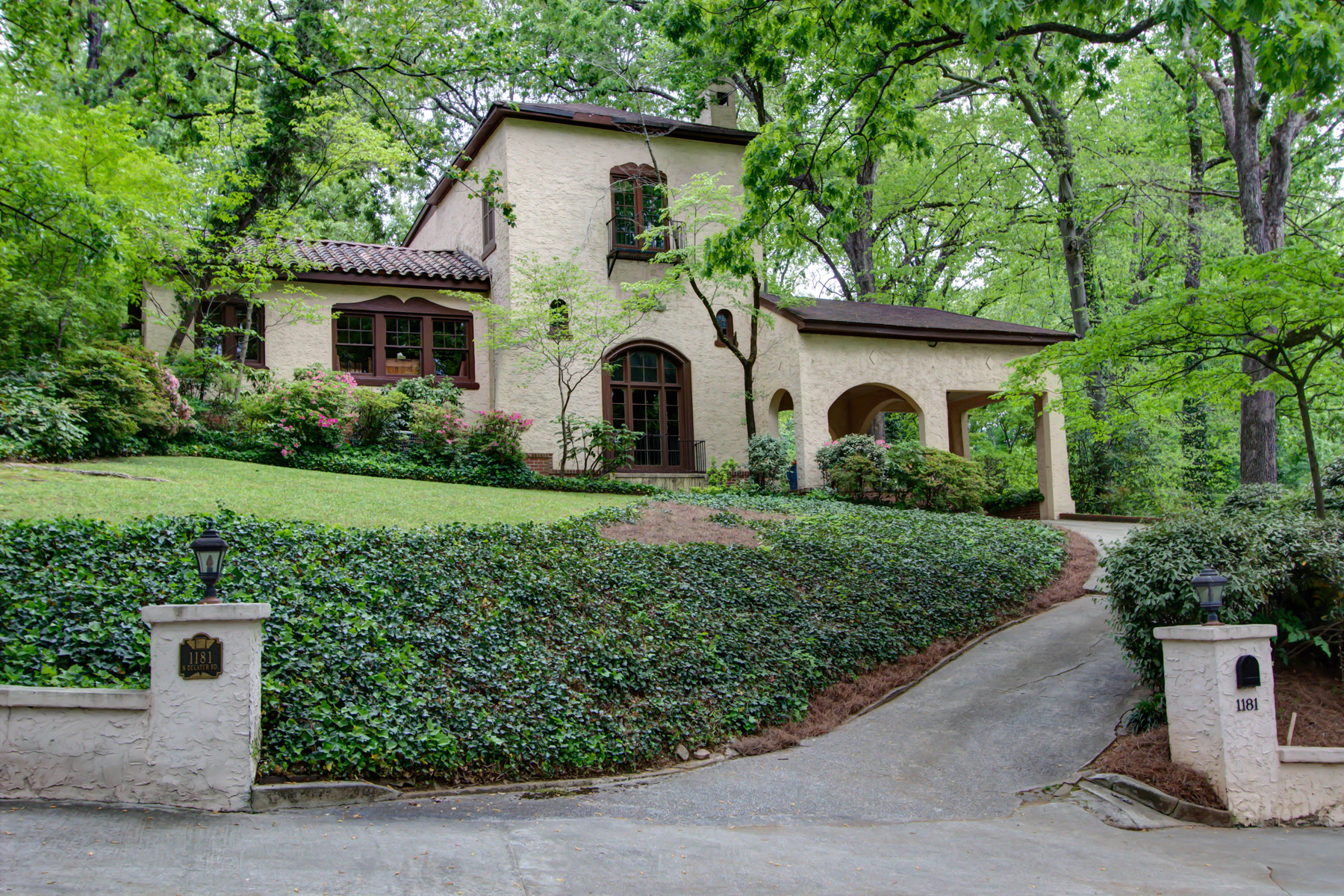 단독 가정 주택 용 매매 에 Spectacular Spanish Villa On Double Lot In Druid Hills 1181 N Decatur Road NE Druid Hills, Atlanta, 조지아, 30306 미국