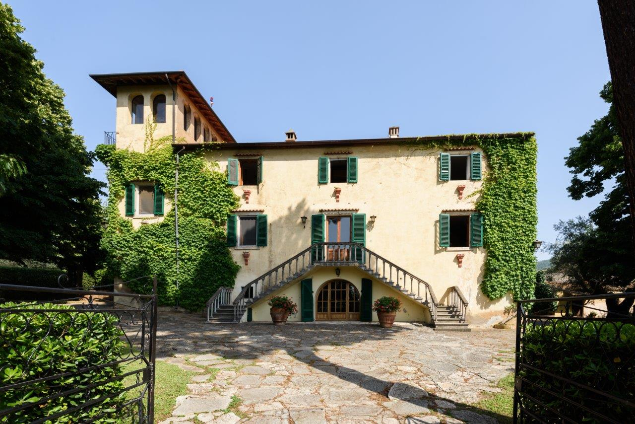 Single Family Home for Sale at Refined residence on a hill with views of the sea Strada provinciale del Passo di Bocca di Valle Castagneto Carducci, 57022 Italy