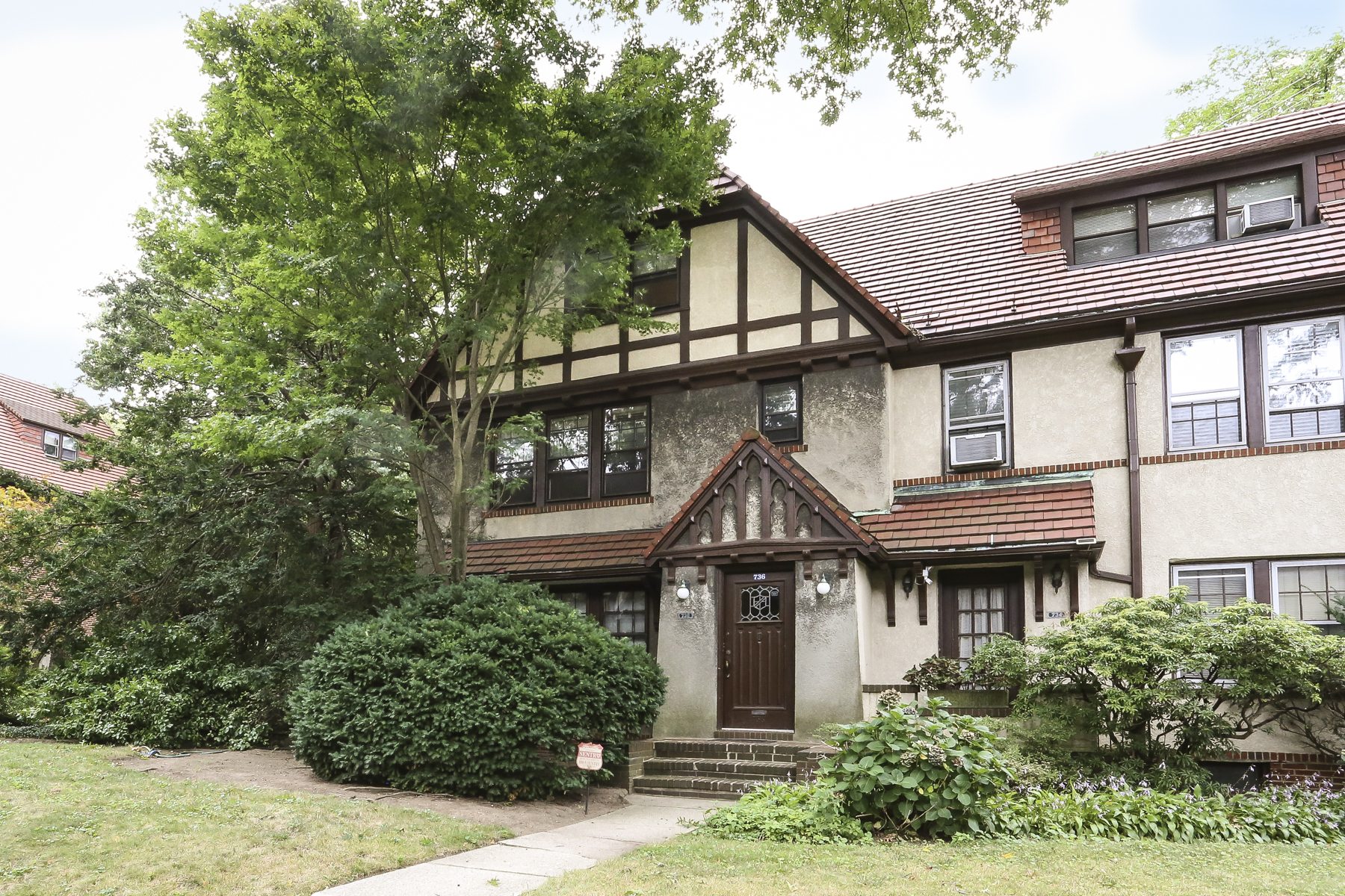 """Duplex for Rent at """"SPACIOUS DUPLEX APARTMENT"""" Forest Hills, New York 11375 United States"""