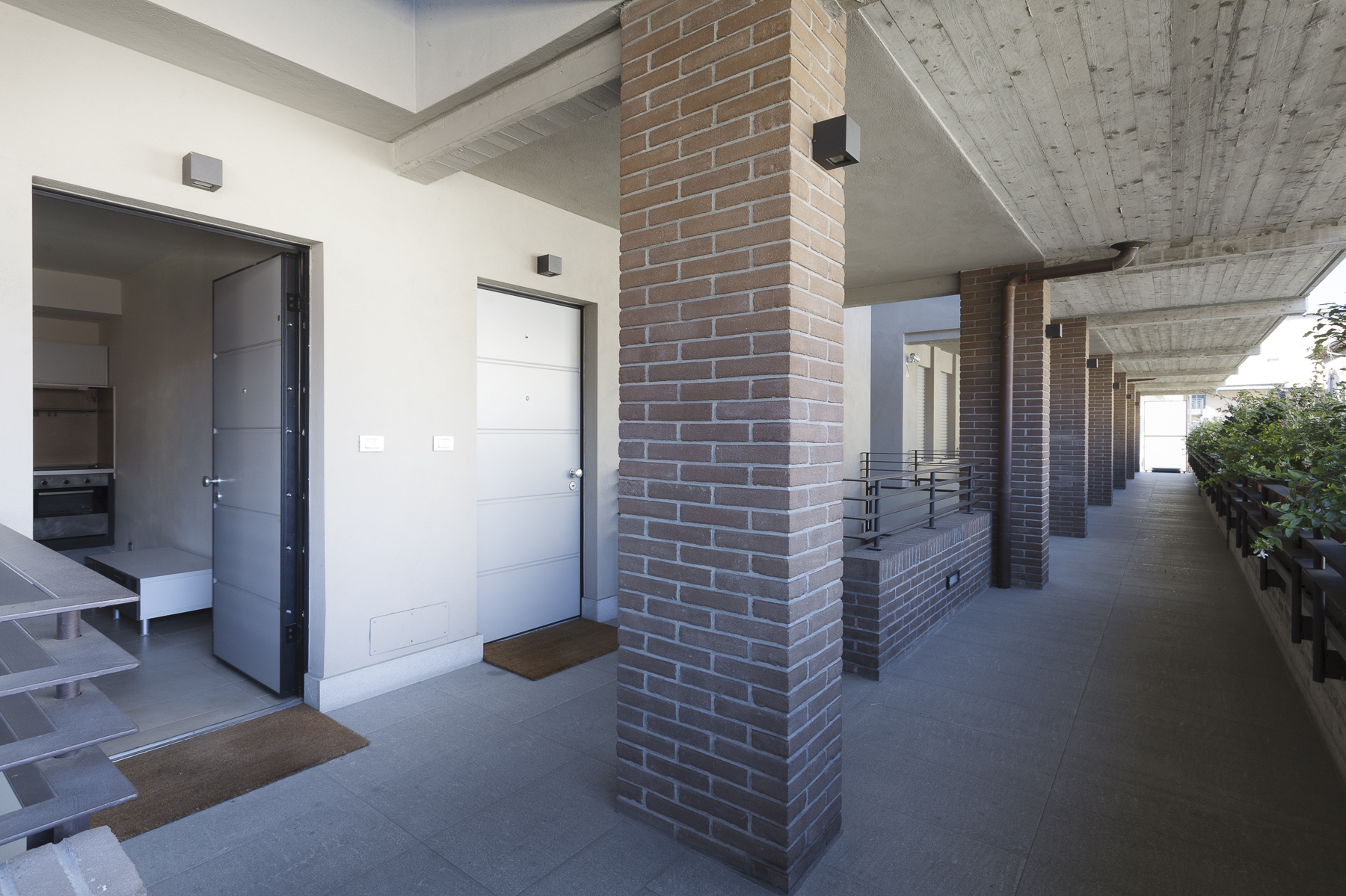 Additional photo for property listing at Appartamento rifinito modernamente Via Sciolze Turin, Torino 10132 Italia