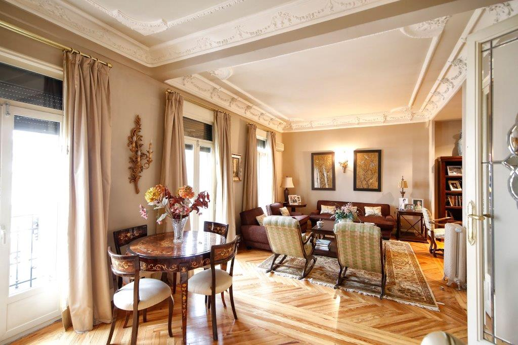Apartment for Sale at Impecable Piso frente al Parque del Retiro Madrid, Madrid, Spain