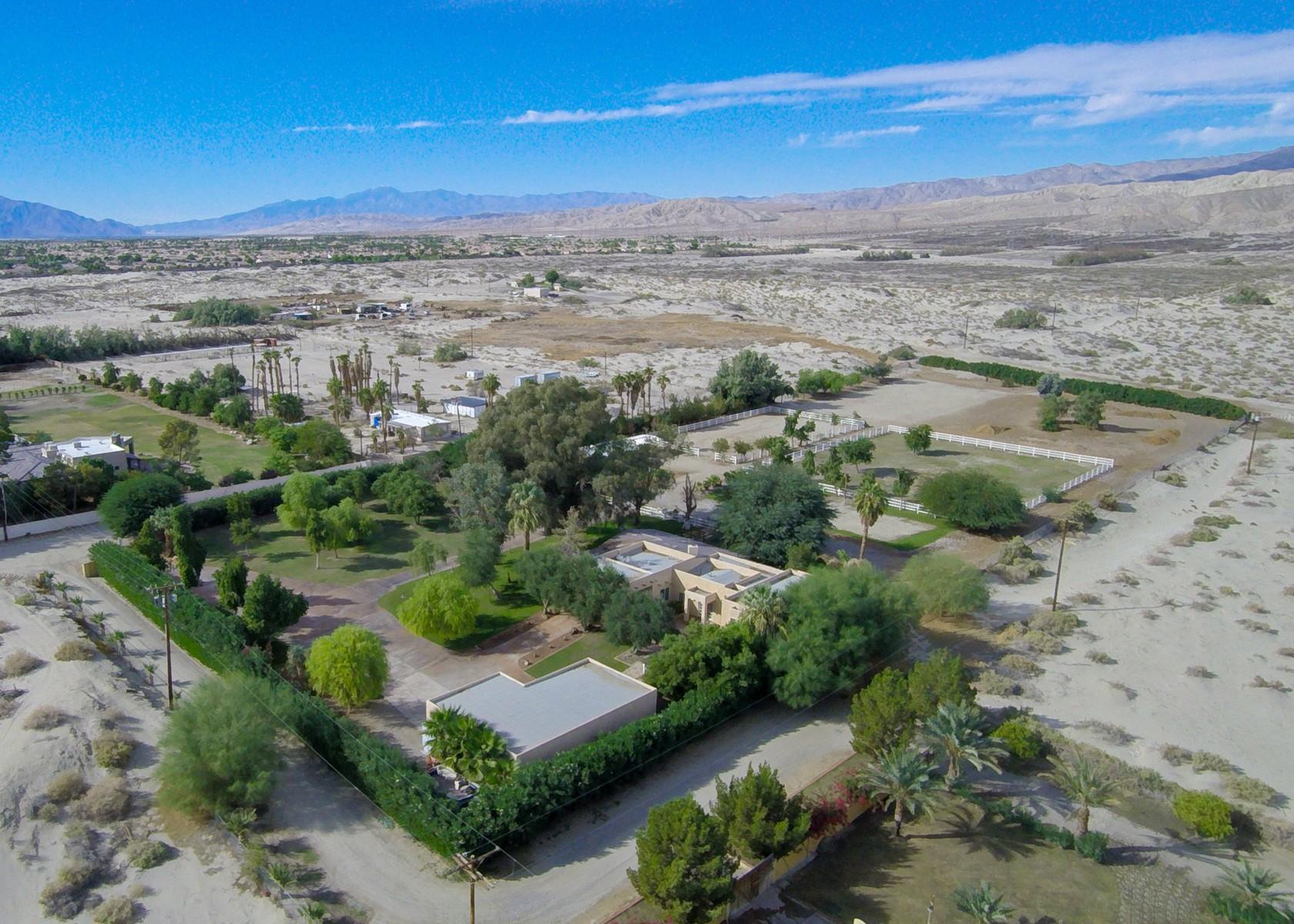 独户住宅 为 销售 在 36706 Dune Palms Road Indio, 加利福尼亚州 92203 美国