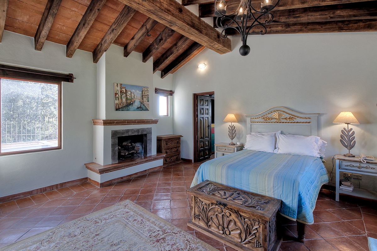 Additional photo for property listing at Casa Piedra Atascadero, San Miguel De Allende, Guanajuato Mexico