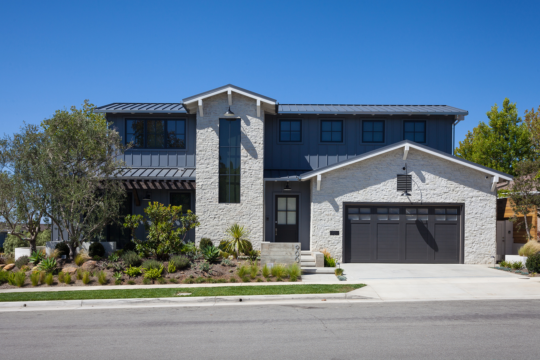 Single Family Home for Sale at 900 Cercis Place Newport Beach, California 92660 United States