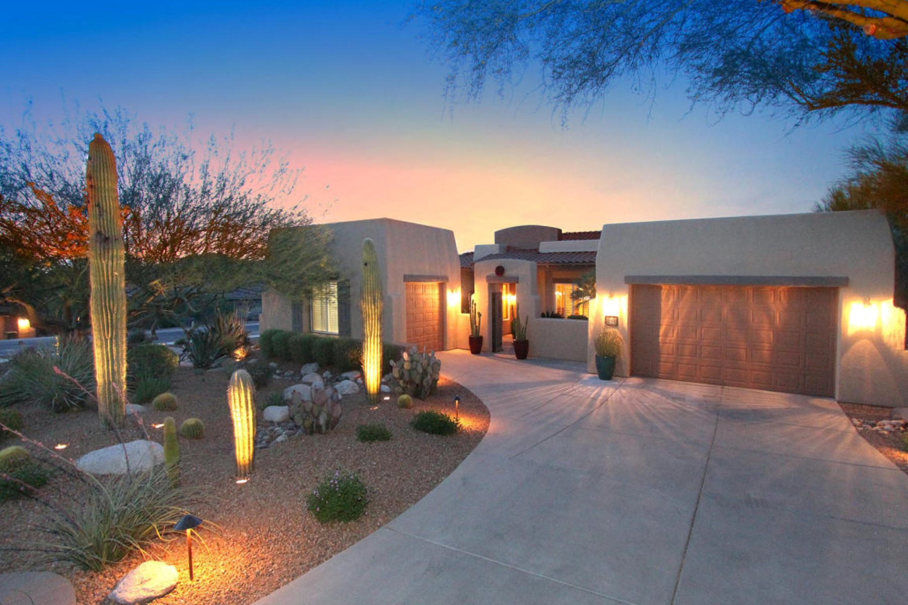 Single Family Home for Sale at absolutely stunning Tucson home 744 W Burntwater Drive Oro Valley, Arizona, 85737 United States