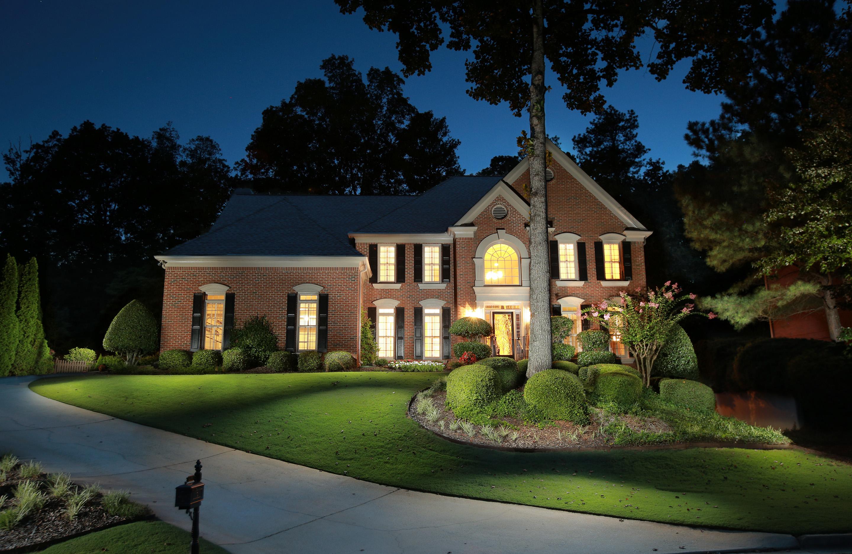 Villa per Vendita alle ore Executive, 4-Sides Brick Home 450 Water Shadow Lane Alpharetta, Georgia, 30022 Stati Uniti
