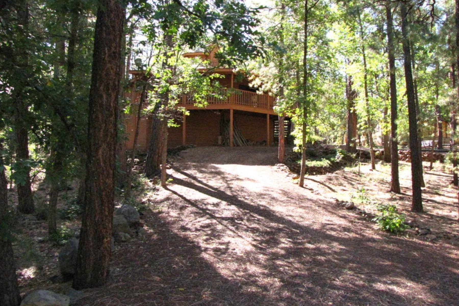 단독 가정 주택 용 매매 에 Wonderful location on a heavily treed lot 3611 Larkspur LN Pinetop, 아리조나 85935 미국