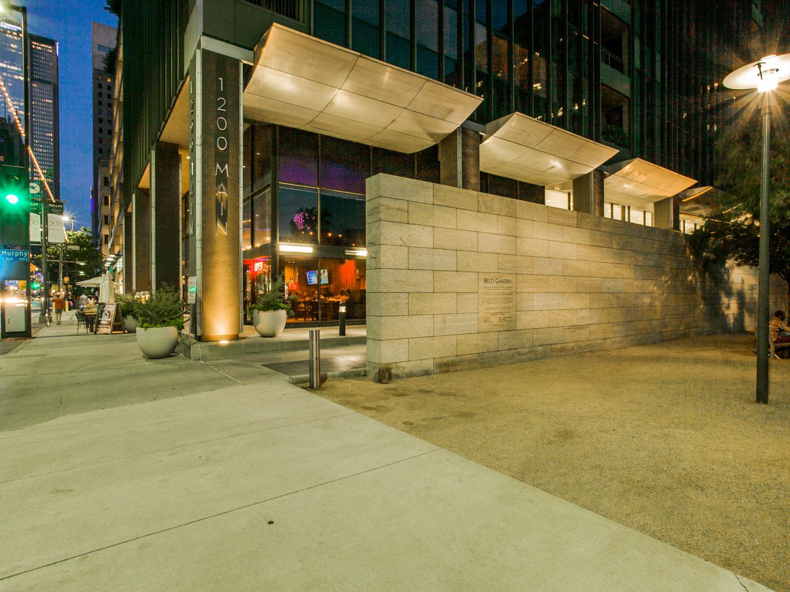 Appartement en copropriété pour l Vente à Sophistication Meets Convenience at the Metropolitan 1200 Main Street #409 Dallas, Texas 75202 États-Unis