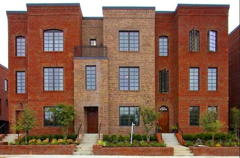 sales property at Upgraded Franklin Townhome