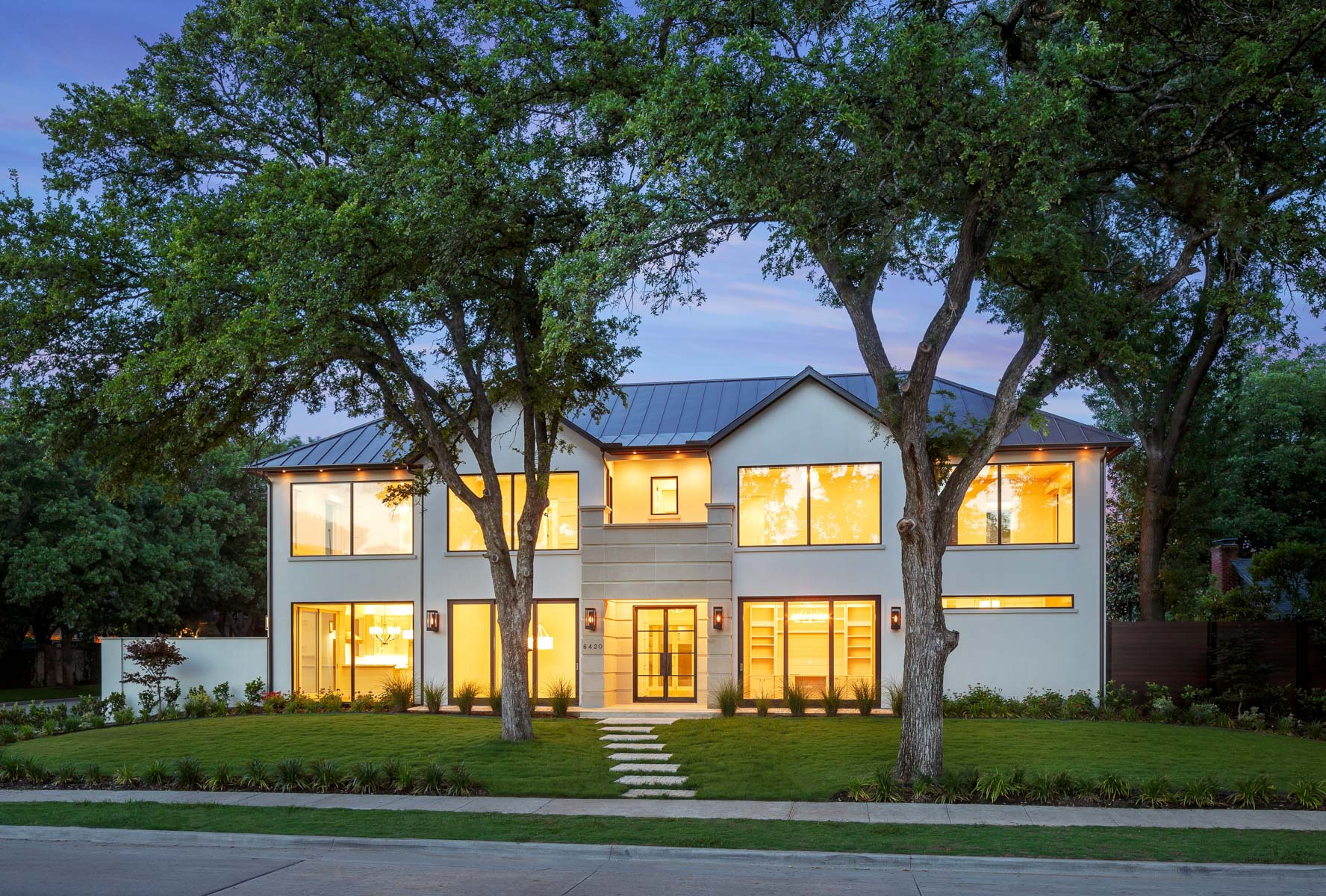 Villa per Vendita alle ore Exquisite Hill Country Contemporary 6420 Williams Parkway Dallas, Texas, 75205 Stati Uniti