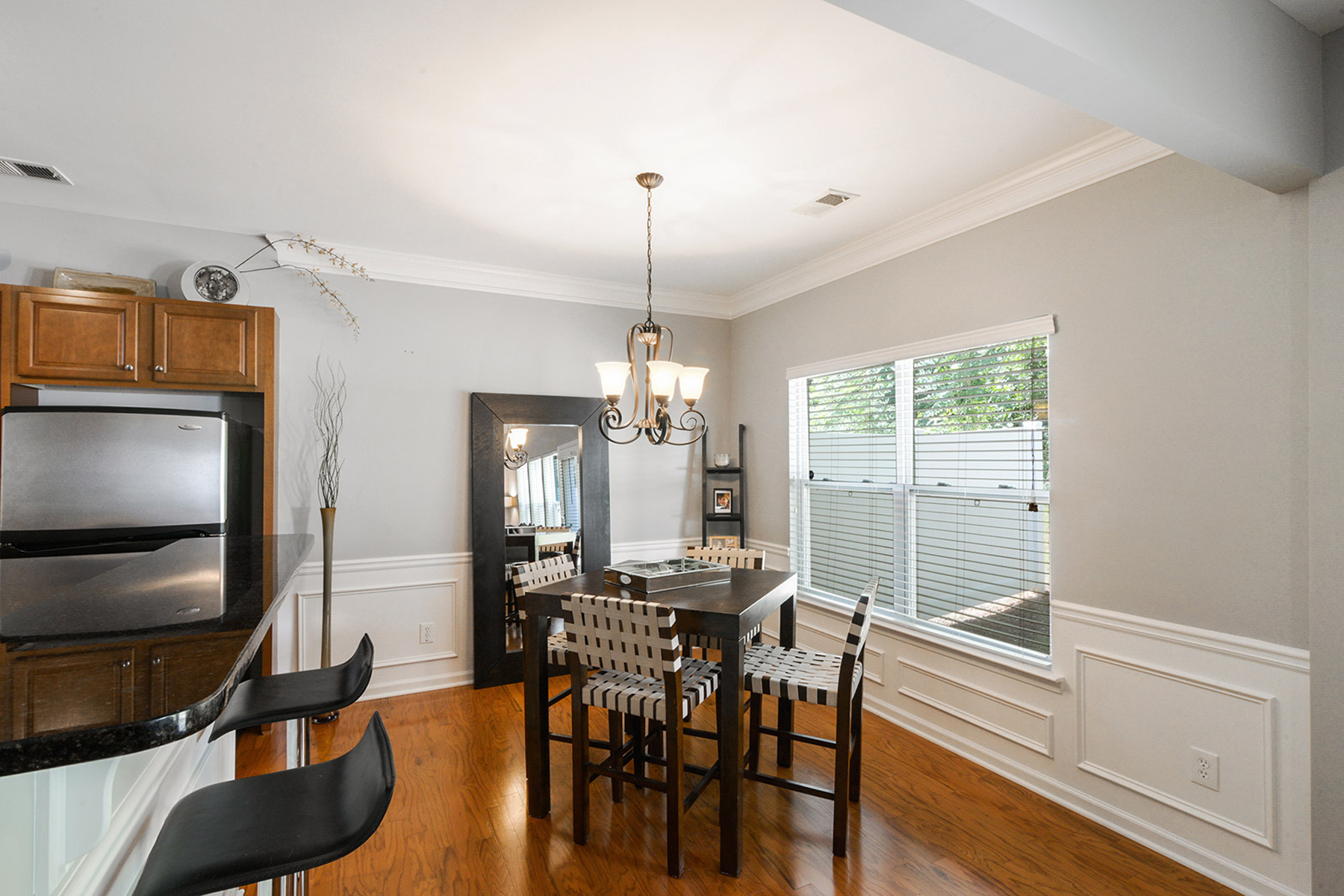 Additional photo for property listing at Shows Like A Model 2209 Charleston Pointe SE Atlanta, 喬治亞州 30316 美國