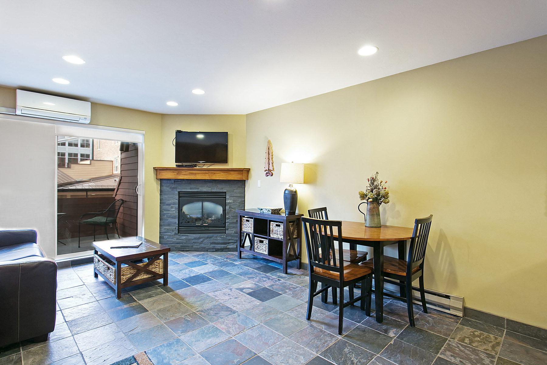 Condominio per Vendita alle ore Gorgeous Remodel! 1385 Lowell Ave Unit #225 Park City, Utah 84060 Stati Uniti