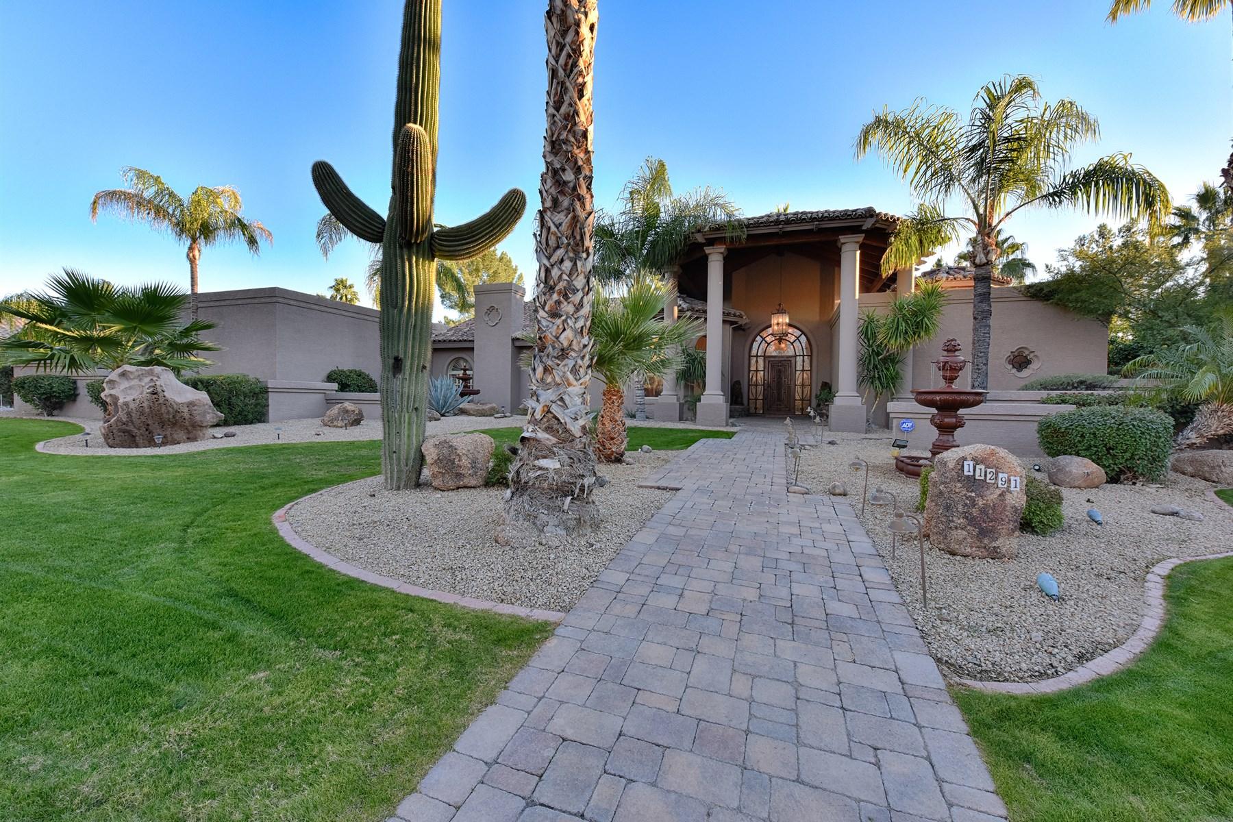 Casa Unifamiliar por un Venta en Beautiful home boasting incredible remodeling upgrades 11291 E Cochise Dr Scottsdale, Arizona 85259 Estados Unidos
