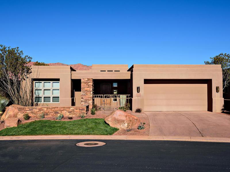 Villa per Vendita alle ore Wonderful Desert Home in Premier Community of Entrada 2410 W Entrada Trl #28 St. George, Utah 84770 Stati Uniti