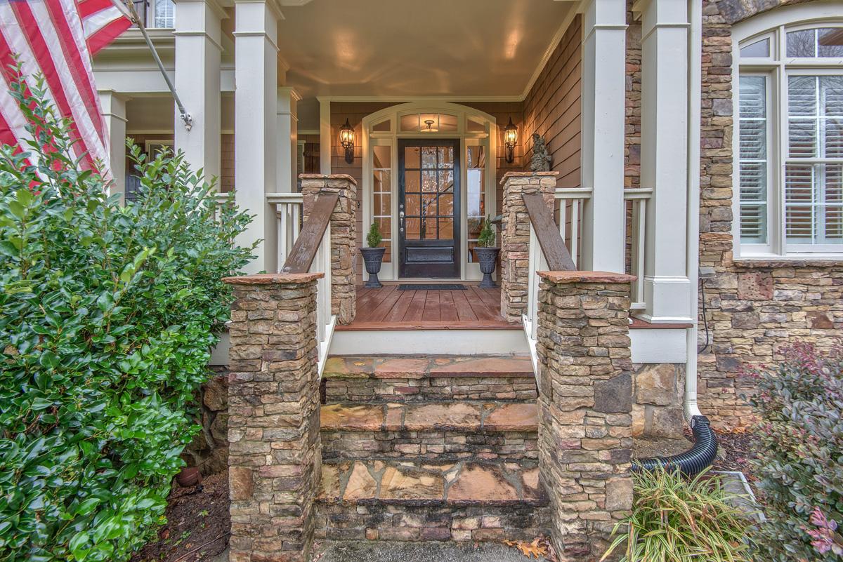 Villa per Vendita alle ore A Fabulous find in Roswell 3020 Burlingame Drive Roswell, Georgia 30075 Stati Uniti