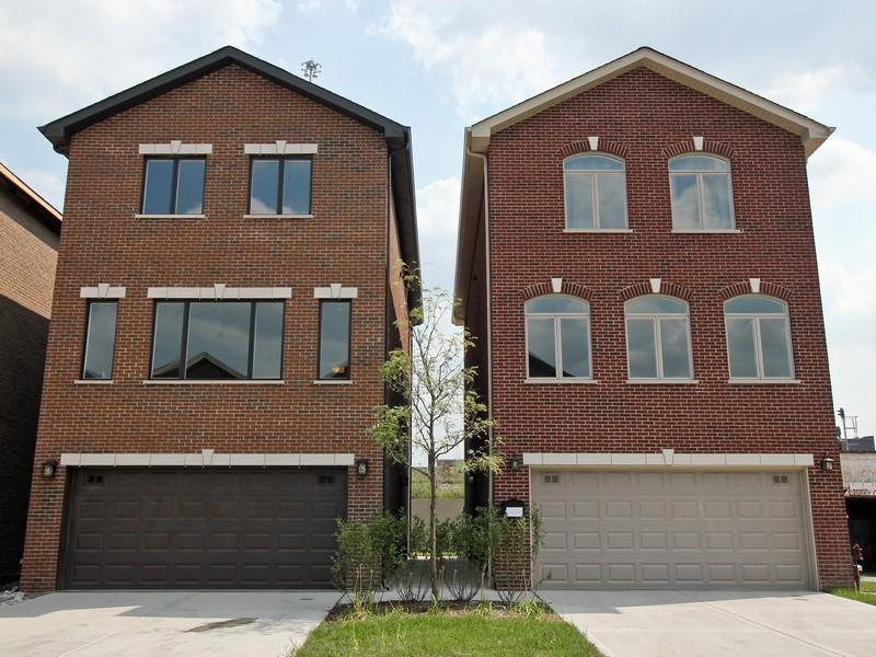 단독 가정 주택 용 매매 에 Riverbend Estates of Bridgeport! 2817 S Grove Street Bridgeport, Chicago, 일리노이즈 60608 미국