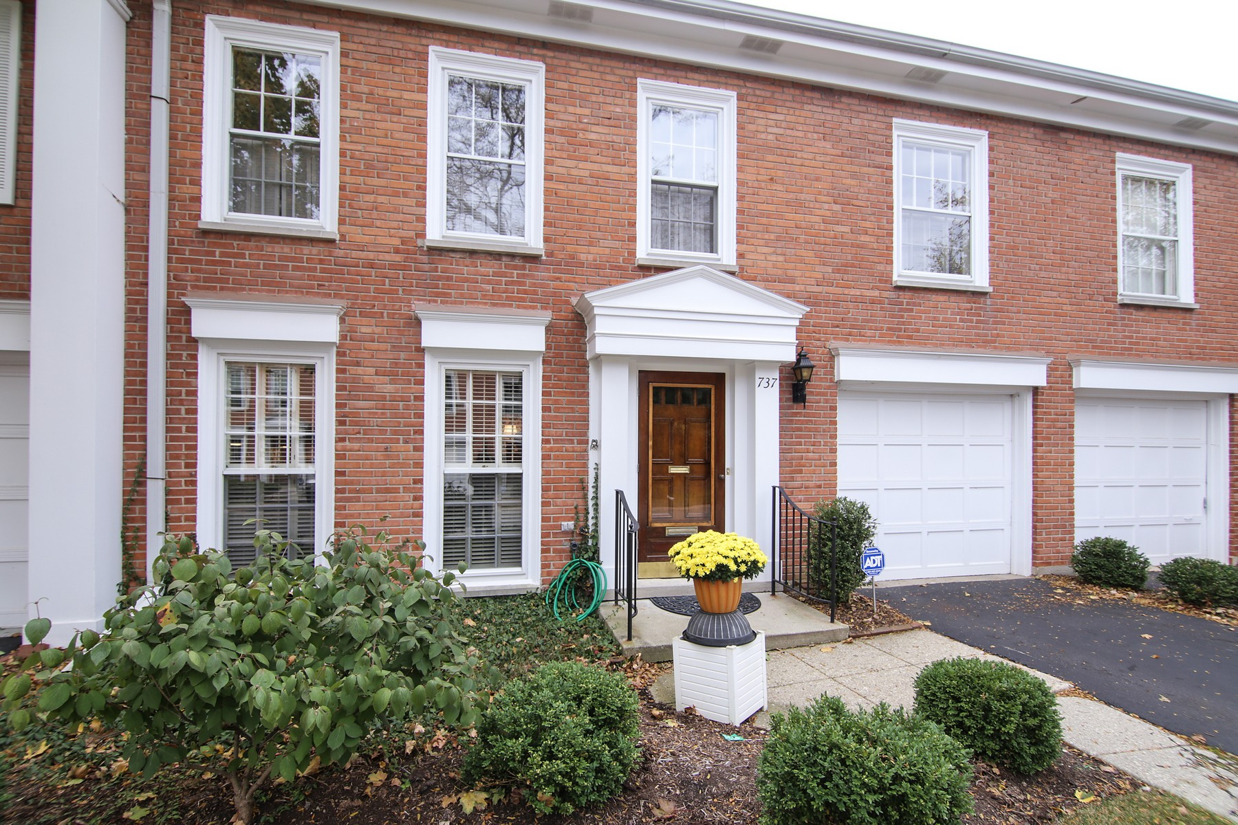 Property For Sale at Beautiful Townhouse In The Colonnades