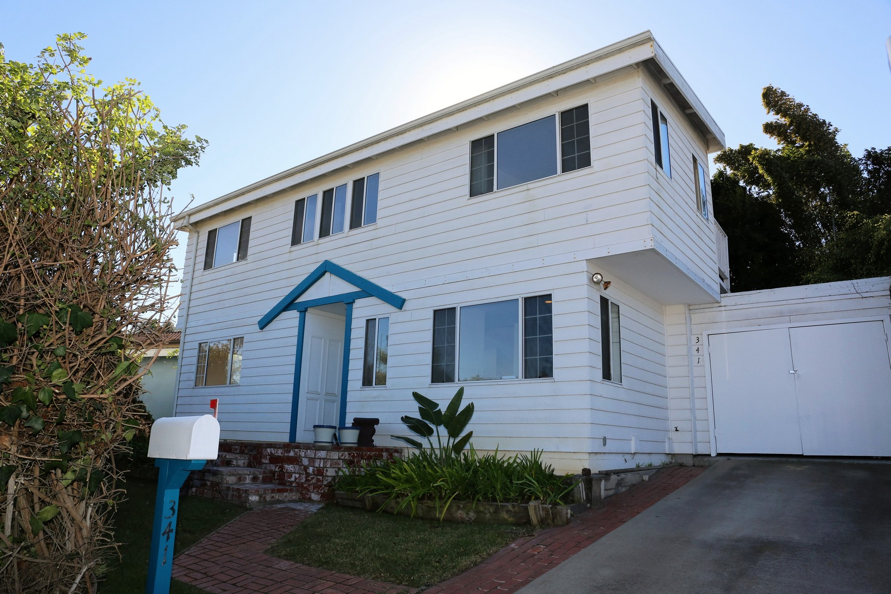 Single Family Home for Sale at 341 North Sierra Avenue Solana Beach, California 92075 United States
