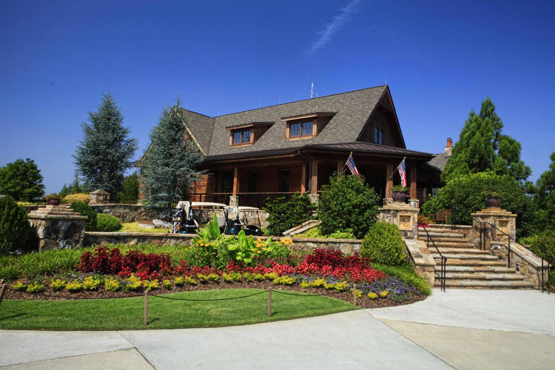 獨棟家庭住宅 為 出售 在 Traditional Beauty 4388 Lochsa Lane Suwanee, 喬治亞州 30024 美國