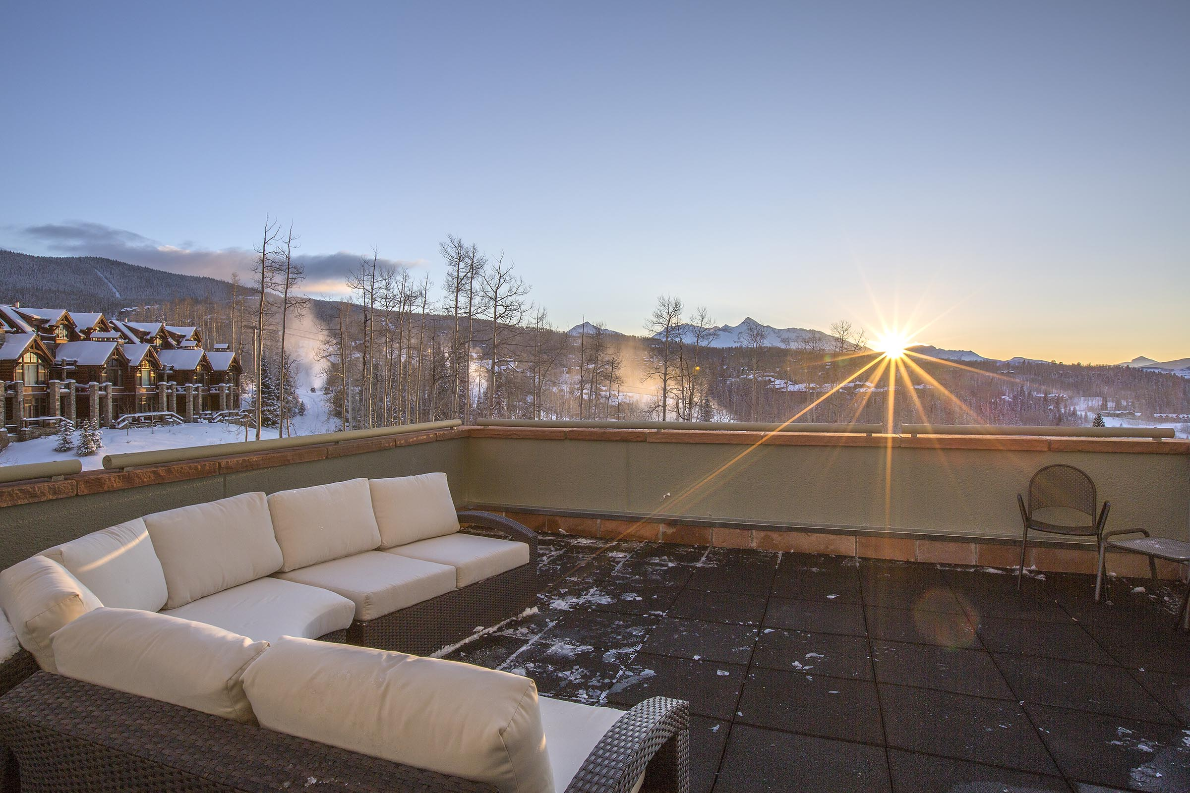콘도미니엄 용 매매 에 Peaks Resort & Spa Unit 346 136 Country Club Drive, Unit 346 Telluride, 콜로라도, 81435 미국
