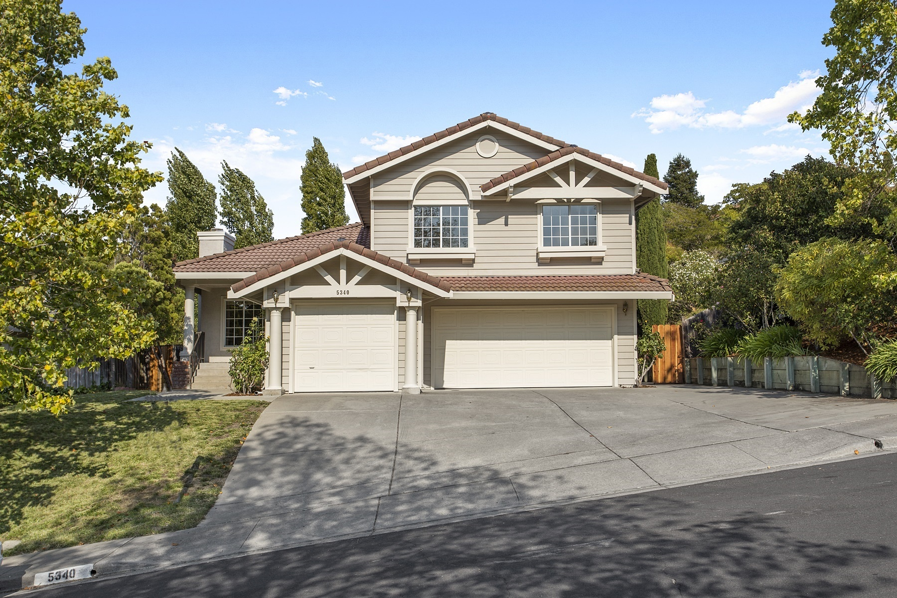sales property at Carriage Hills South Creme Dela Creme