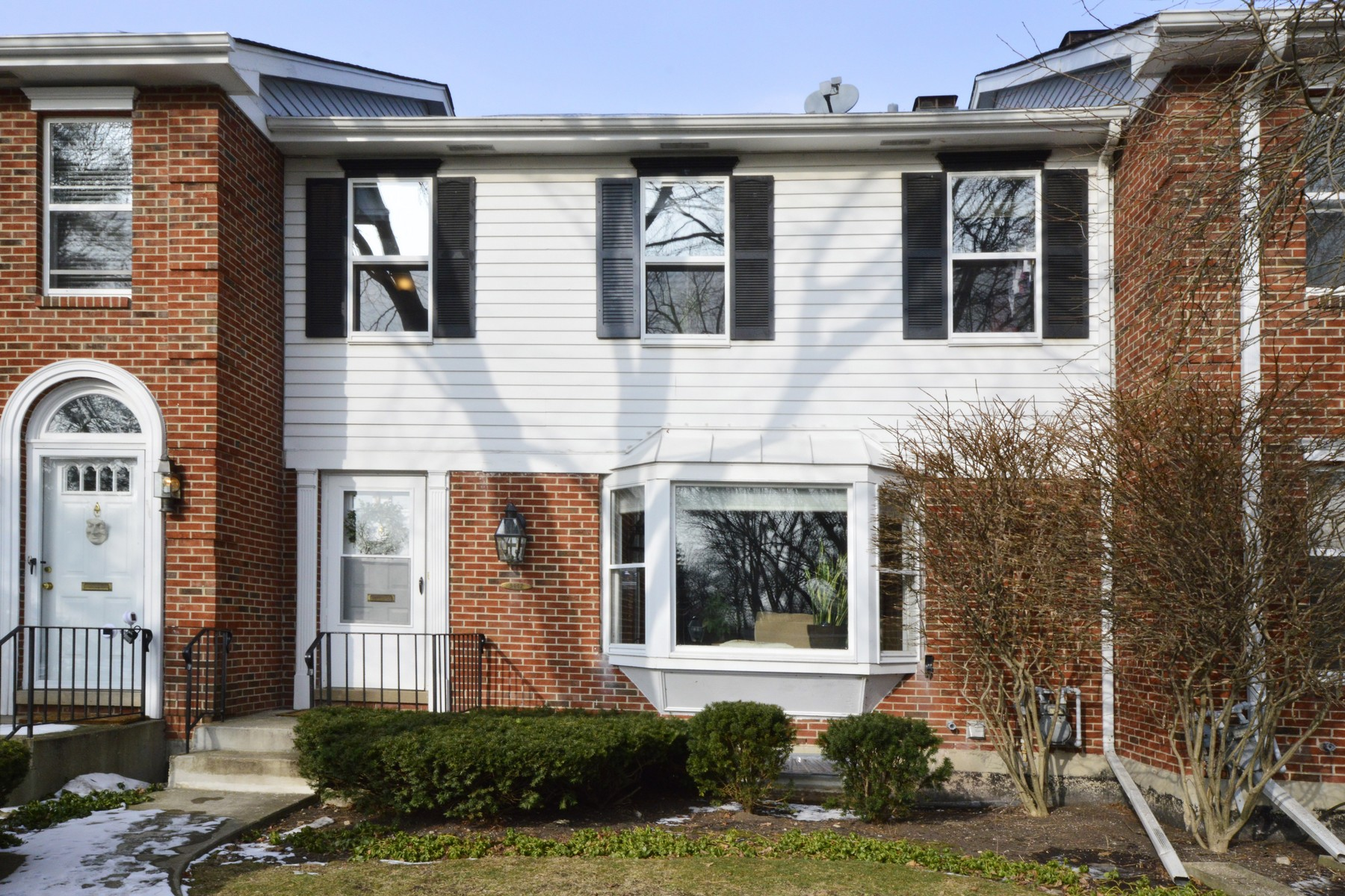 sales property at Luxurious Skevanston Townhome