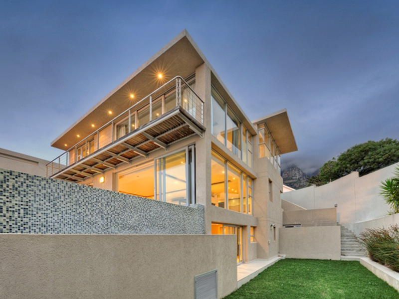 Single Family Home for Sale at Contemporary townhouse with majestic mountain back Cape Town, Western Cape 8005 South Africa