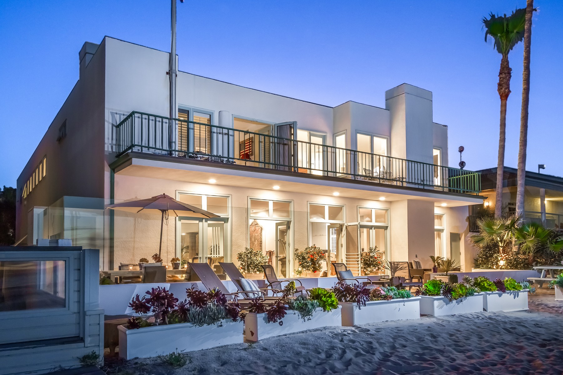 Single Family Home for Sale at 1716 Ocean Front Del Mar, California 92014 United States