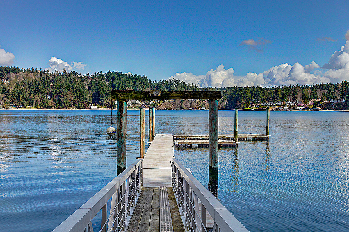 Single Family Home for Sale at Wollochet Bay Gig Harbor 2129 50th Ave Gig Harbor, Washington, 98335 United States