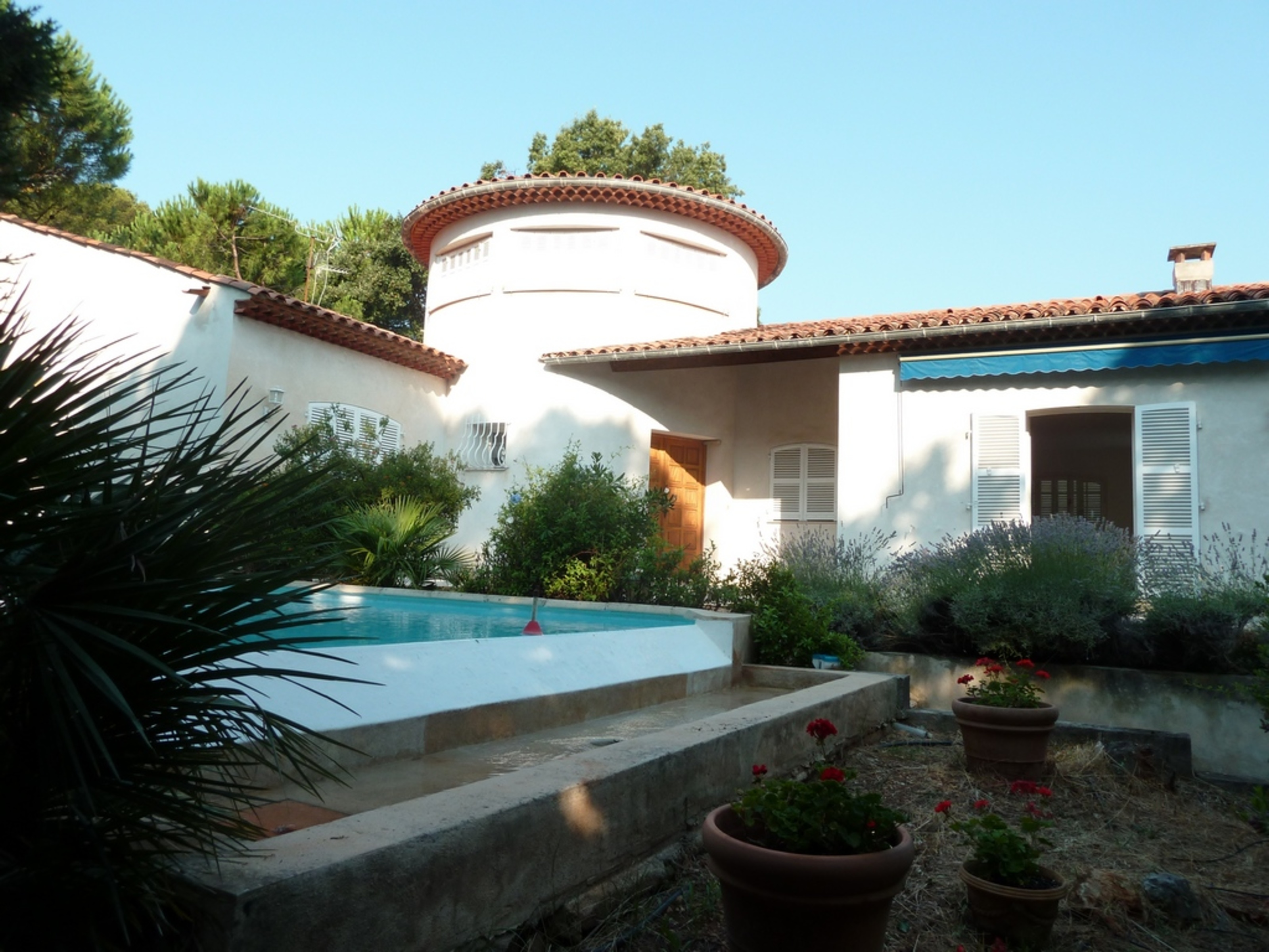 Single Family Home for Sale at Nice Villa with Sea view Roquebrune Cap Martin Roquebrune Cap Martin, Provence-Alpes-Cote D'Azur 06190 France