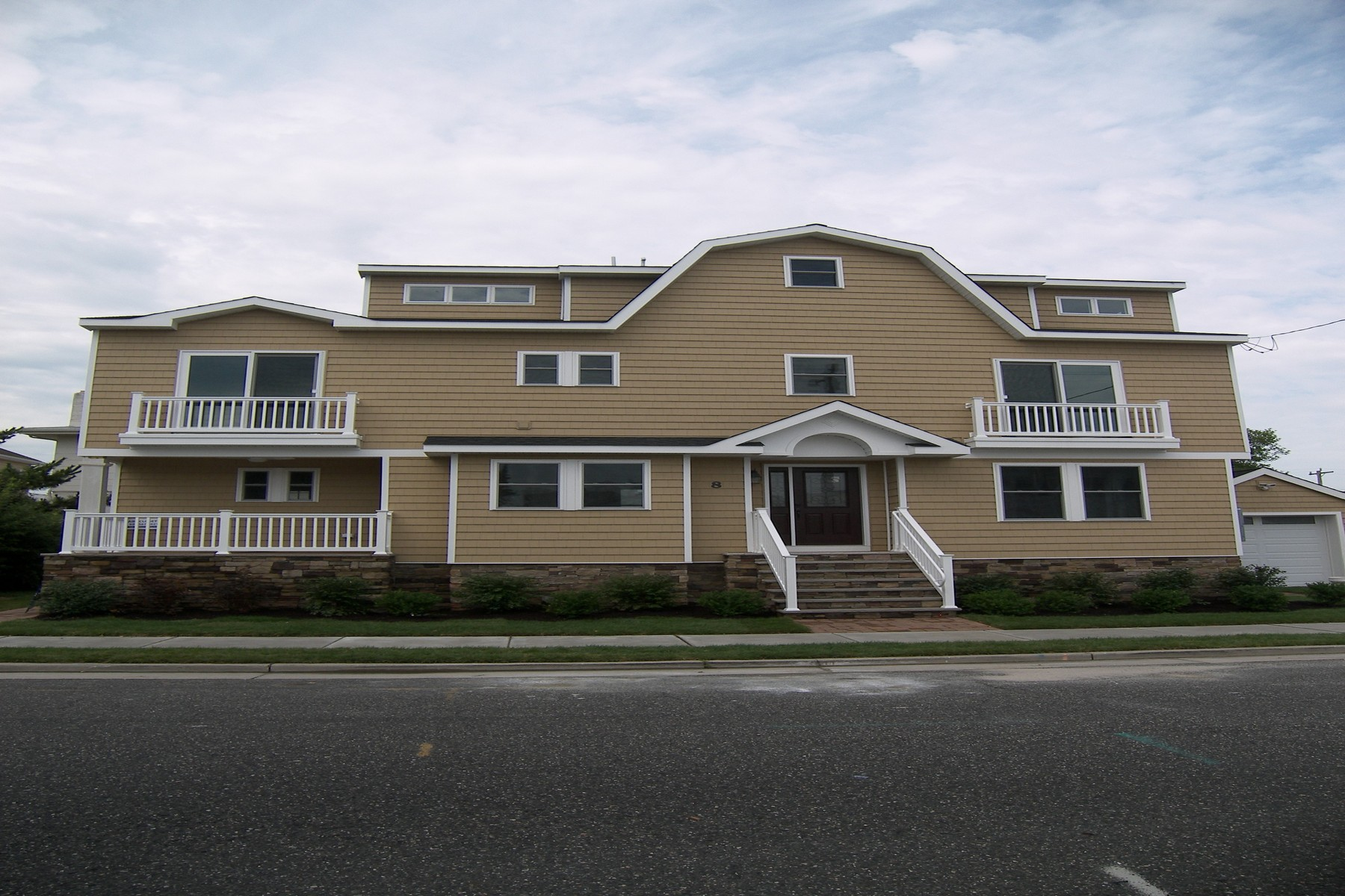 Single Family Home for Sale at 8 N Douglas Avenue Margate, New Jersey 08402 United States