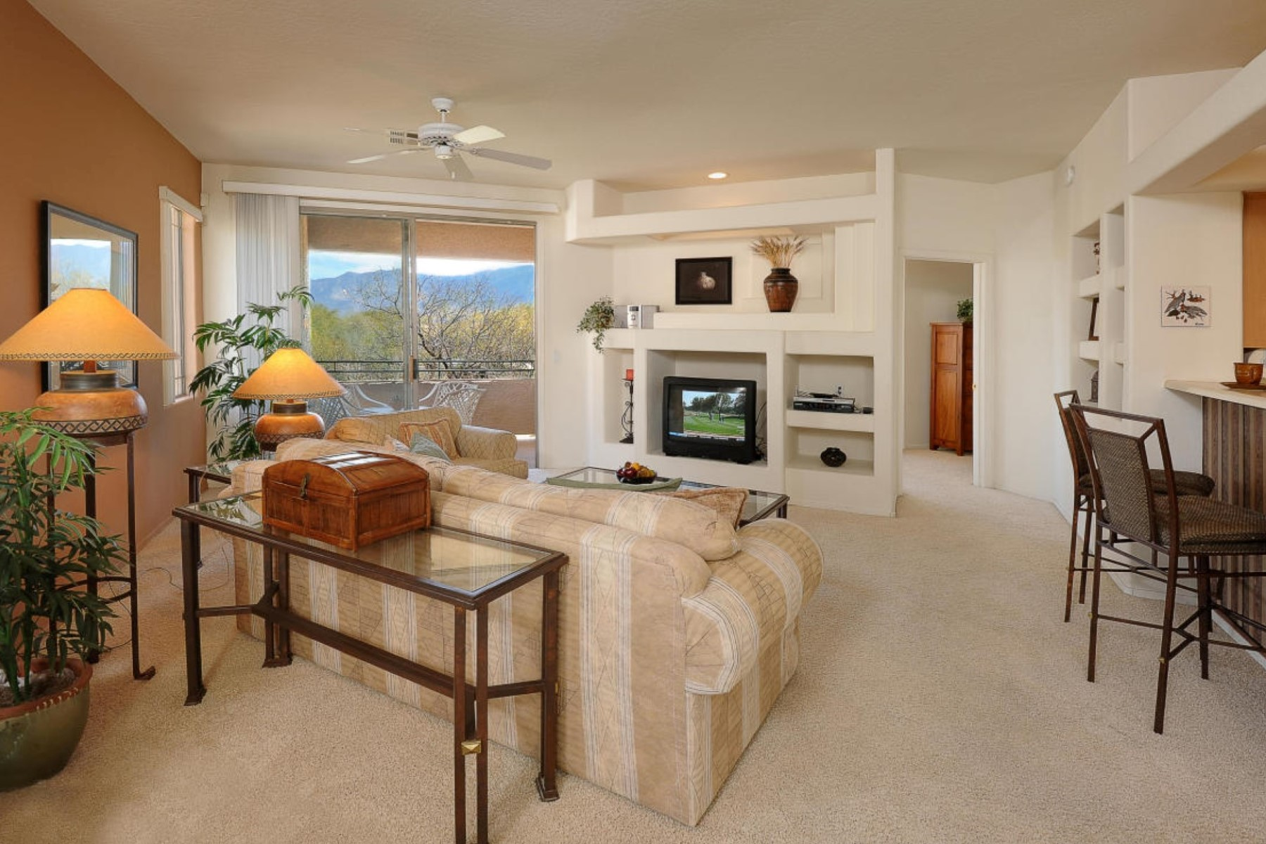 Nhà chung cư vì Bán tại Superb And Highly Sought-After Fully Furnished Condo In Oro Valley 755 W Vistoso Highlands #219 Tucson, Arizona 85755 Hoa Kỳ