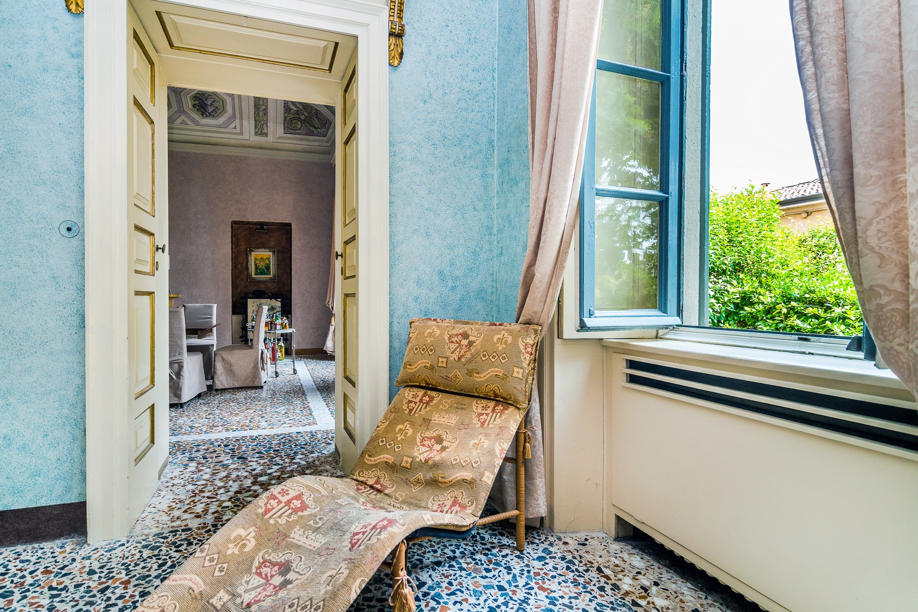 Additional photo for property listing at Stunning property alongside Lake Como Passeggiata Villa Olmo Como, Como 22100 Italien