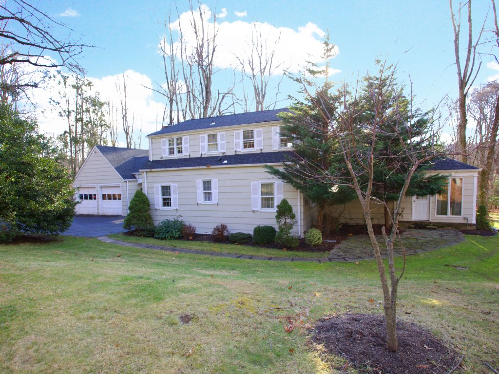 Property For Sale at Cape Cod on 4+ Acres