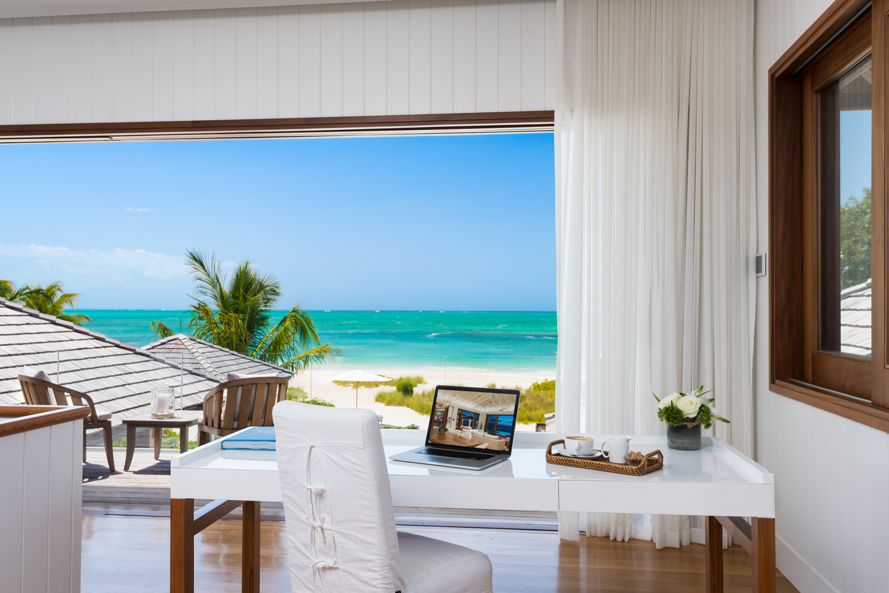 Additional photo for property listing at Serenity Villa Beachfront Parrot Cay, Parrot Cay TCI Îles Turques Et Caïques