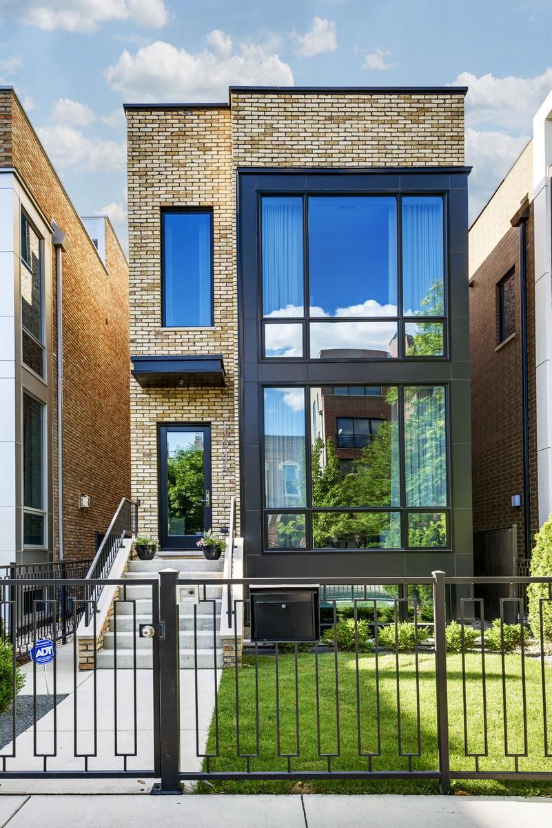 Einfamilienhaus für Verkauf beim Hot West TownEast Village 1648 W Erie Street West Town, Chicago, Illinois, 60622 Vereinigte Staaten