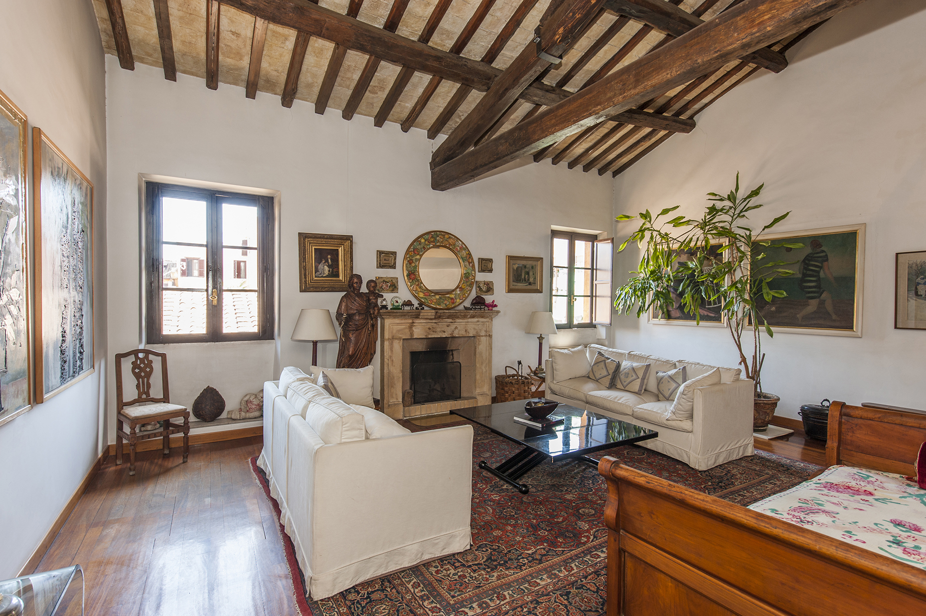 Additional photo for property listing at Charming penthouse in Borgo Pio neighborhood Rome, Rome Italien