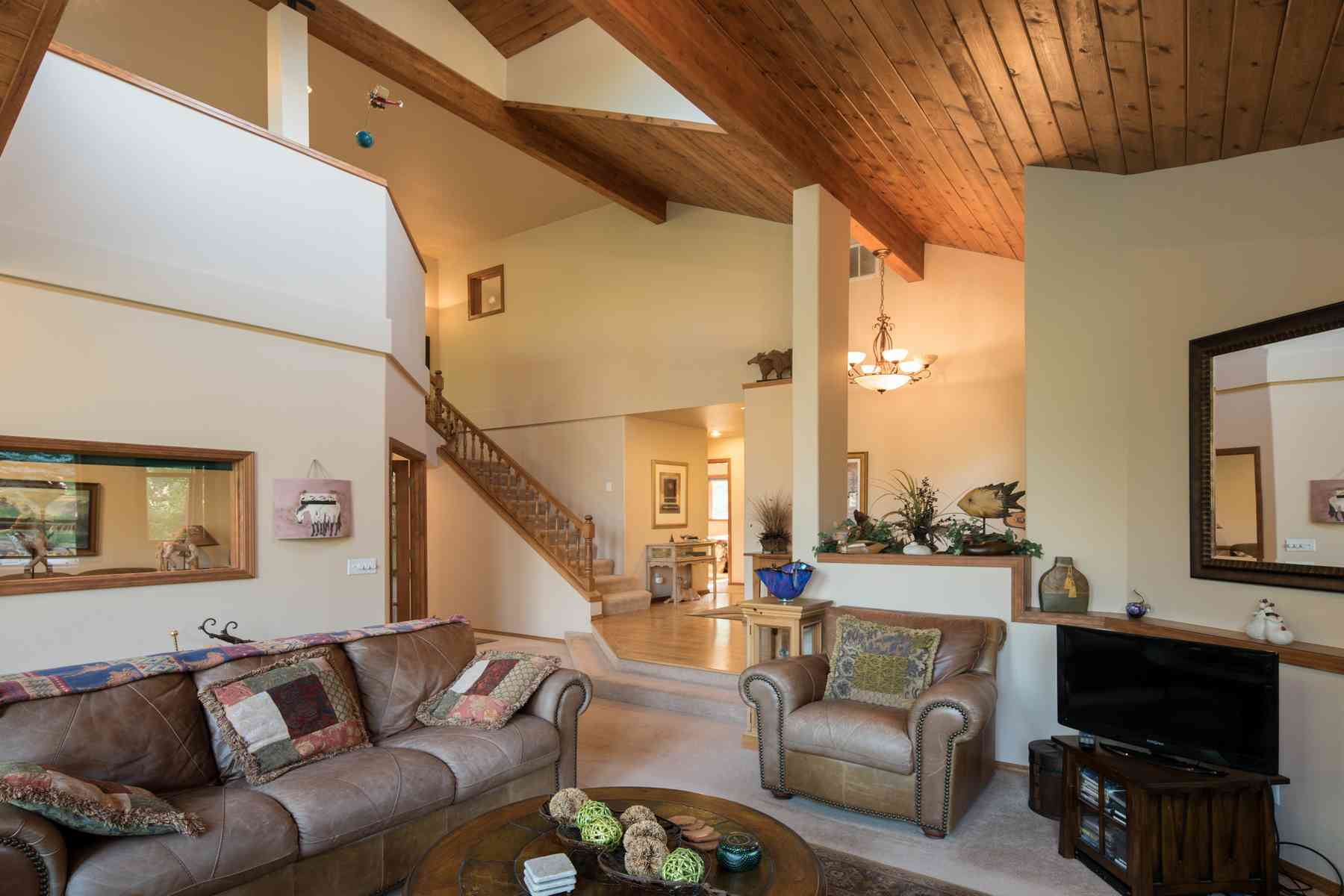 Additional photo for property listing at Basking In Sunshine and Views 311 Juniper Road Sun Valley, Idaho 83353 États-Unis