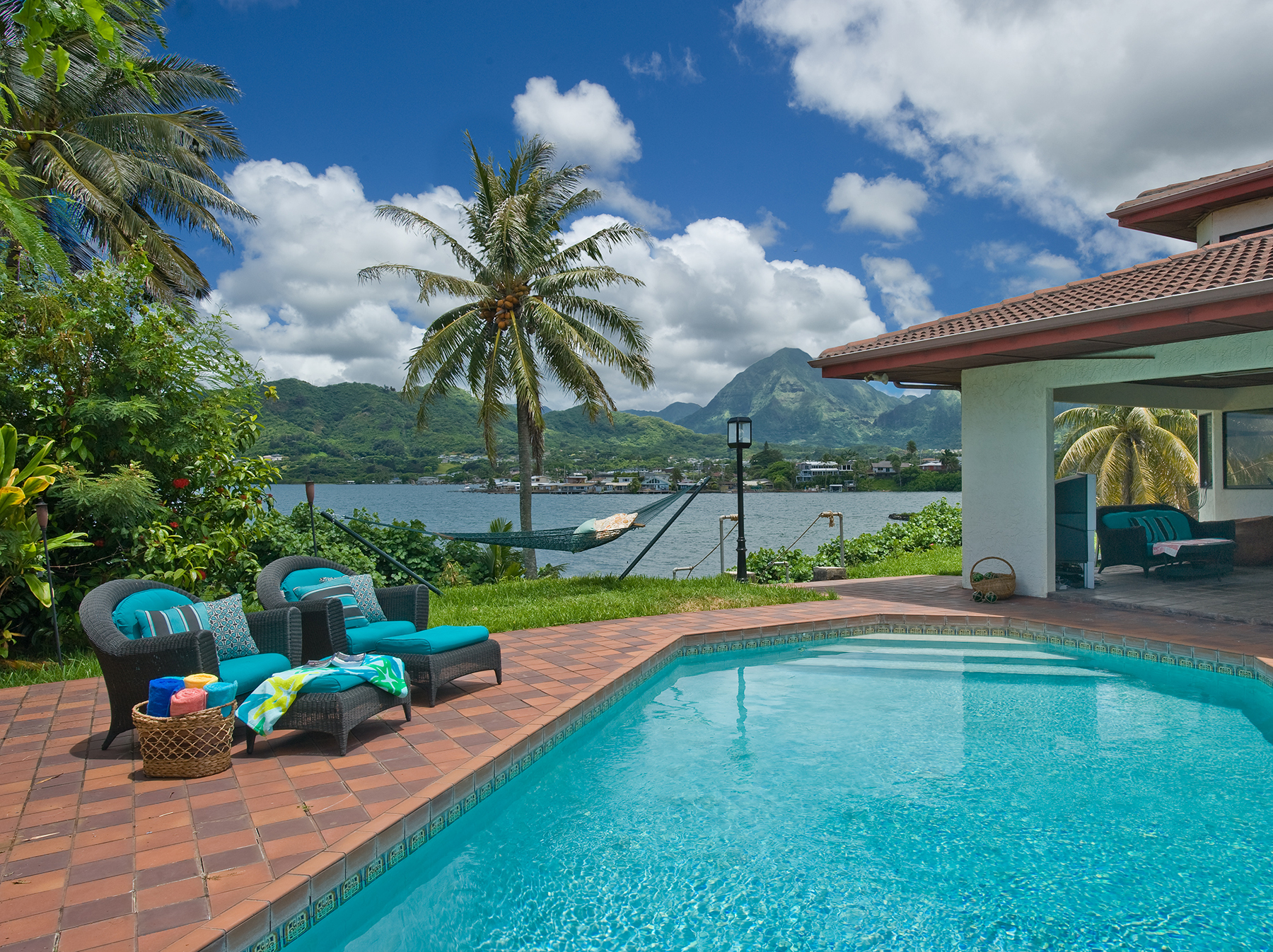 Property For Sale at Prime Hawaiian Waterfront Gem
