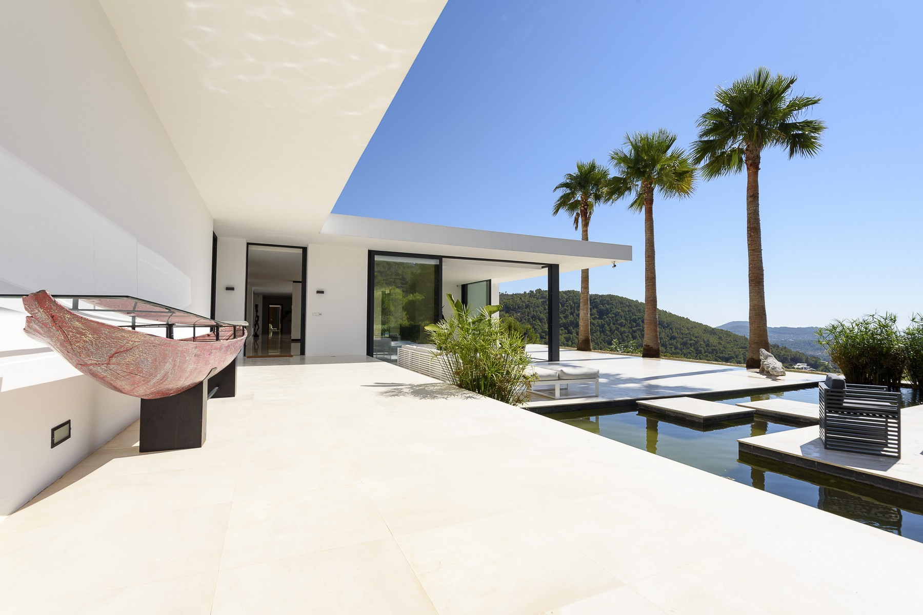 獨棟家庭住宅 為 出售 在 Contemporary Villa on 250'000 m2 in Morna Valley Santa Eulalia, 西亞特, 07850 西班牙