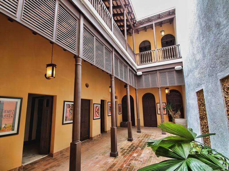 Residência urbana para Venda às 305 Luna Street 305 Calle de la Luna San Juan, Puerto Rico 00901 Puerto Rico