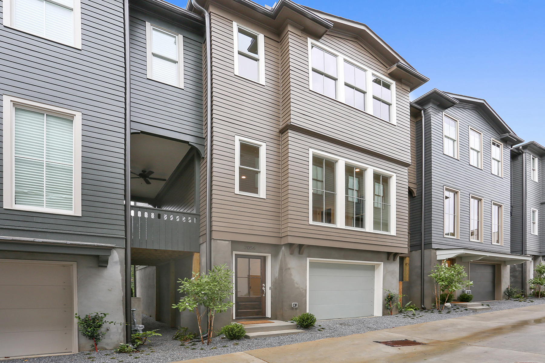 rentals property at Beautiful New Manchester Townhome