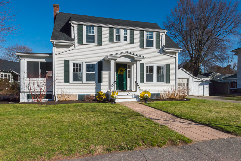 Single Family Home for Sale at Sunny Colonial in Mint Condition in Perfect Central Location 21 Humphrey Street Marblehead, Massachusetts 01945 United States