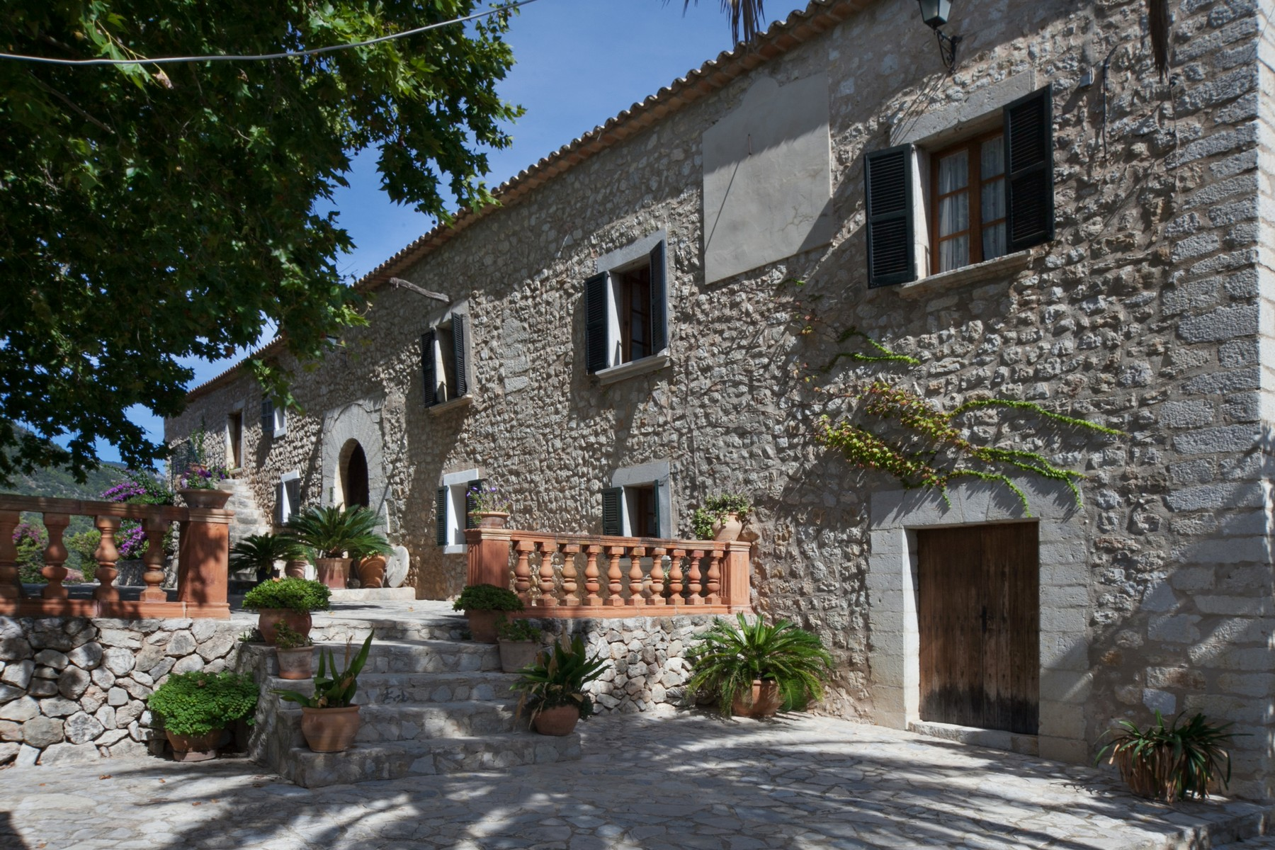 Vivienda unifamiliar por un Venta en Historical finca with mountain views in Alaró Alaro, Mallorca, 07340 España