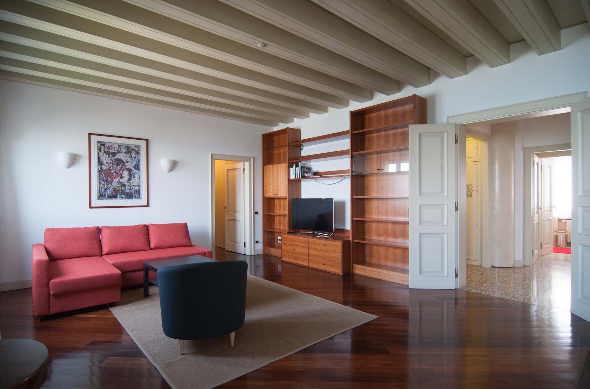 Additional photo for property listing at Contemporary Lido property with stunning lagoon views Venice, Venice Italie