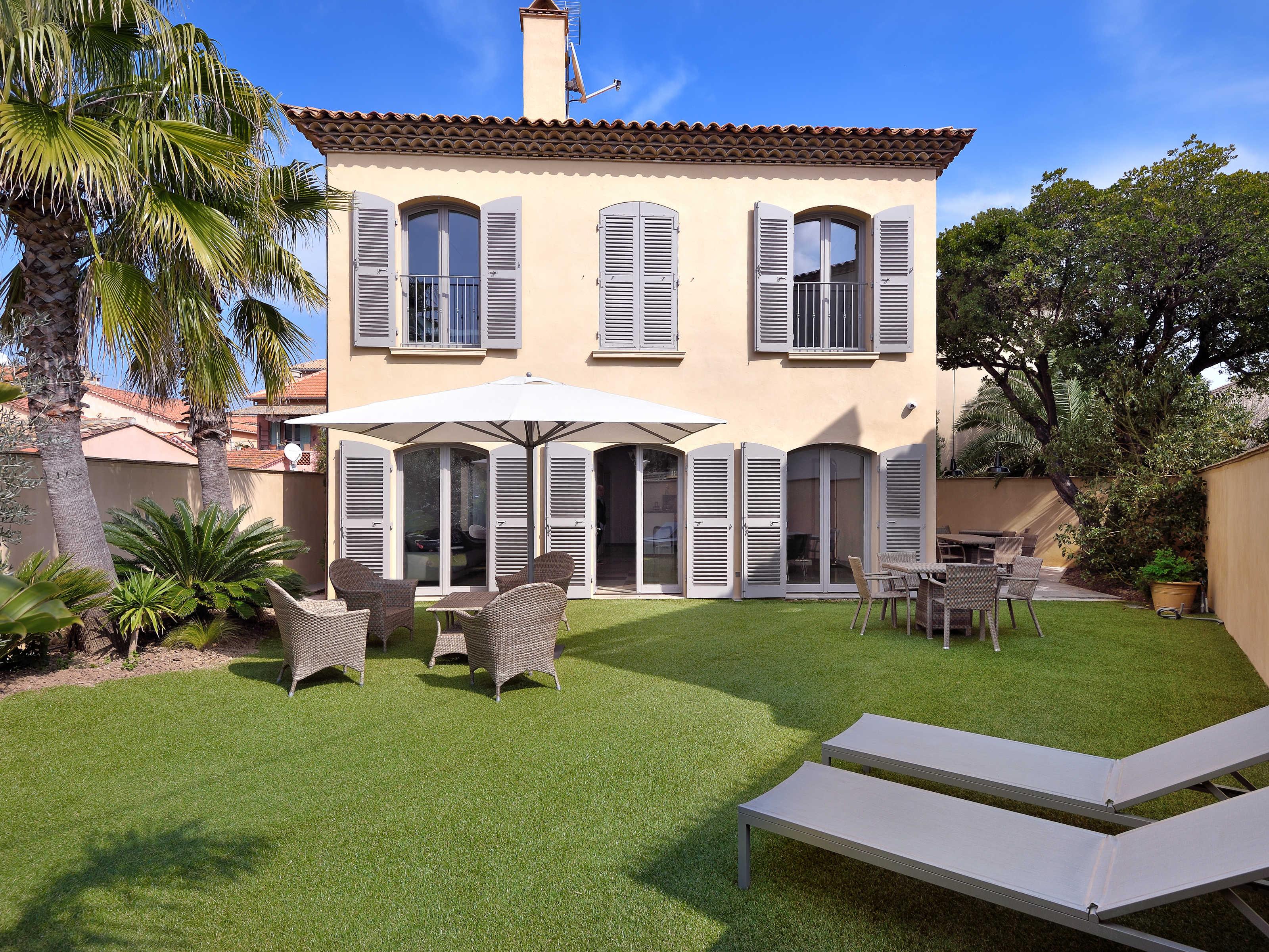 Single Family Home for Sale at Centre of Saint Tropez Saint Tropez, Provence-Alpes-Cote D'Azur 83990 France