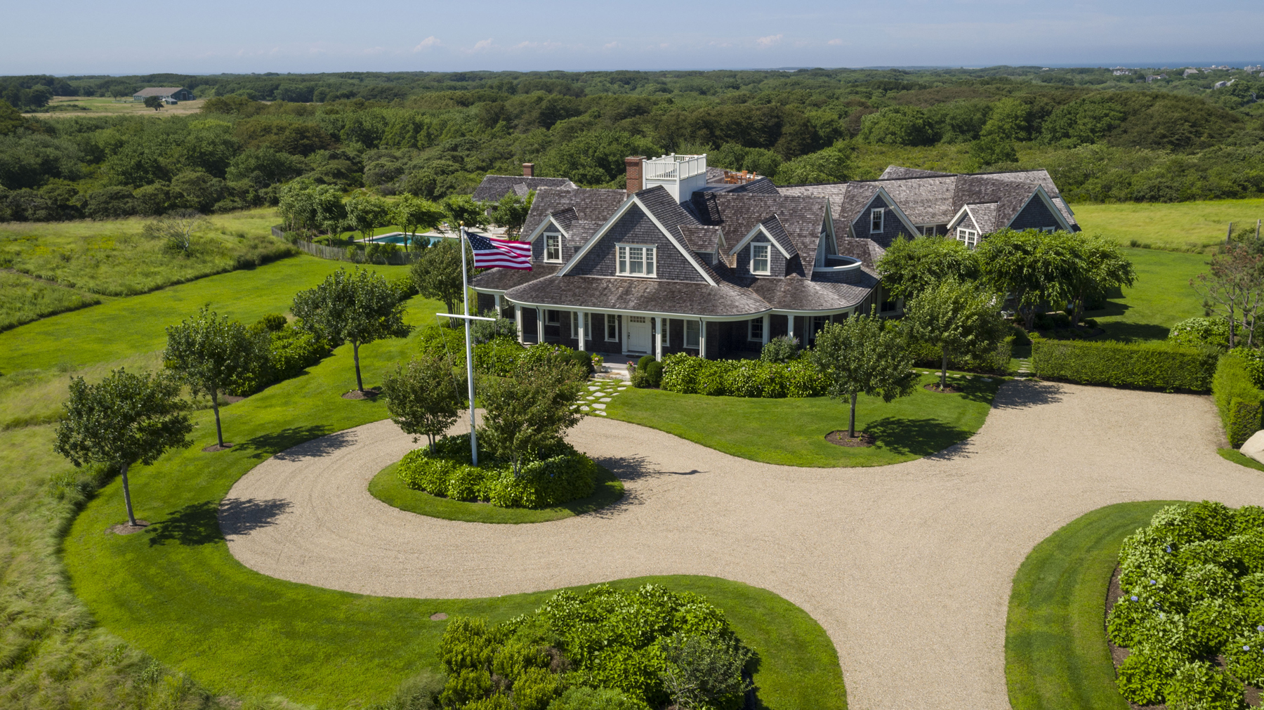 Casa Unifamiliar por un Venta en Private Estate Over 14 Acres 30R Quidnet Rd Nantucket, Massachusetts 02554 Estados Unidos