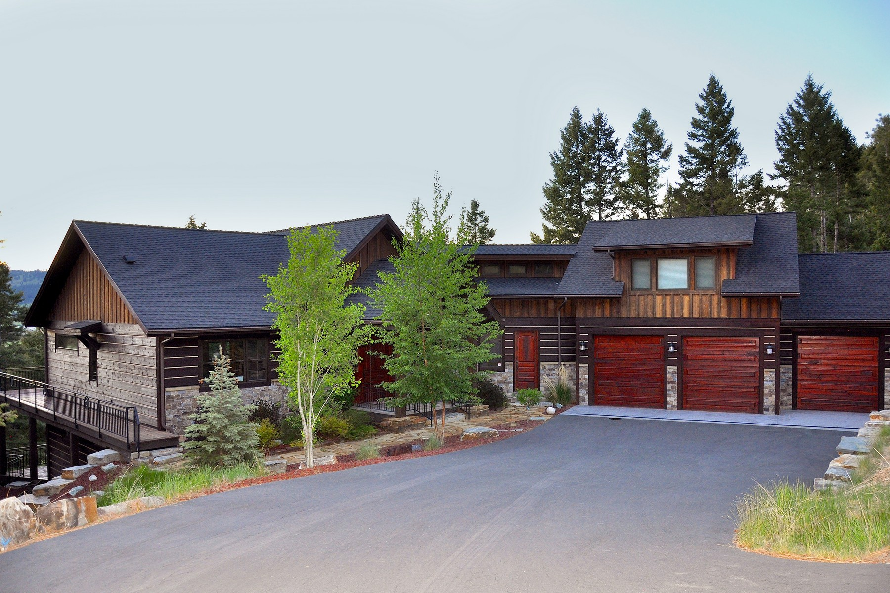 Property For Sale at Exquistie Rustic - meets - Contemporay Home